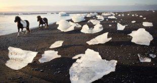 Jokulsarlon-Beach-Iceland-BLKSAND1017.jpg